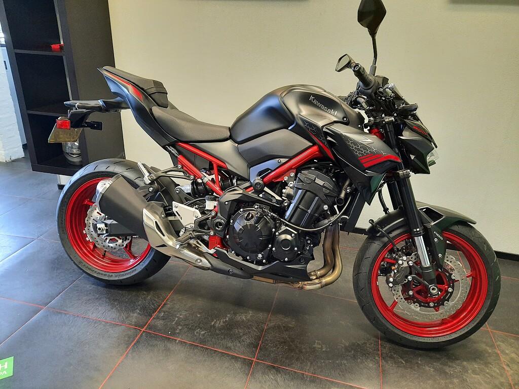 2021 Kawasaki Z900 motor te huur (1)
