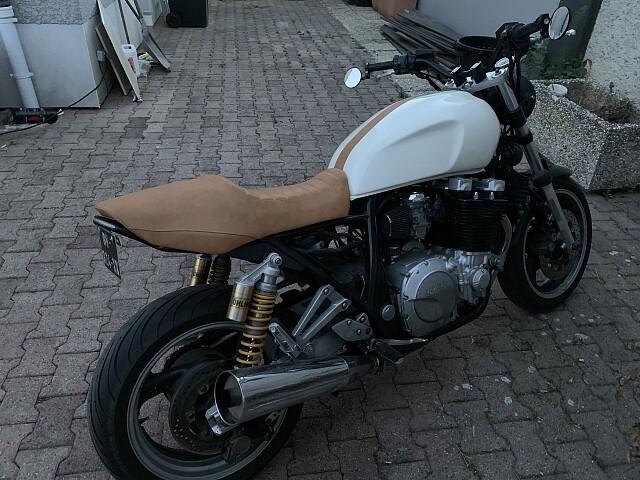 2000 YAMAHA XJR moto en alquiler (1)