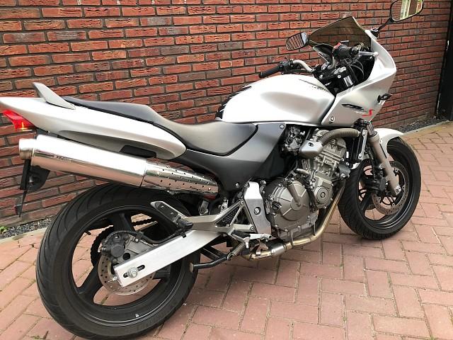 2001 HONDA Hornet CB 600 F motor te huur (1)