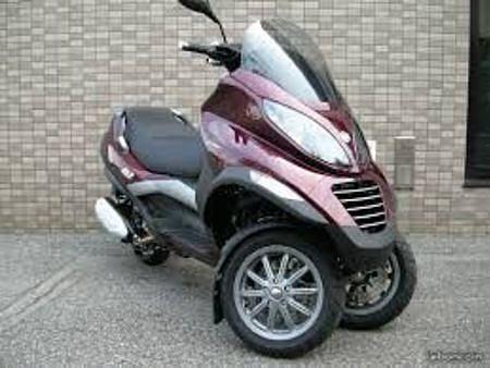 2011 PIAGGIO MP3 125 moto en alquiler (1)