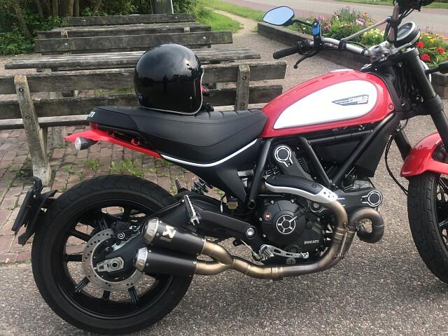 2016 Ducati Scrambler Icon motor te huur (2)