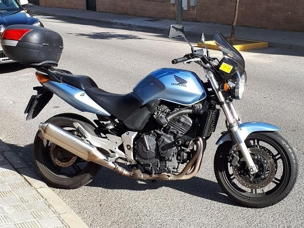2004 HONDA CBF 600 moto en alquiler (1)