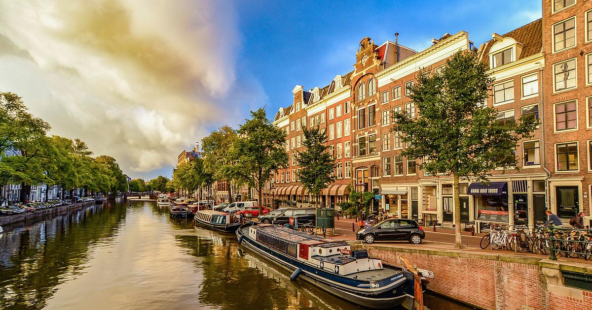 Amsterdam grachten motorrijden