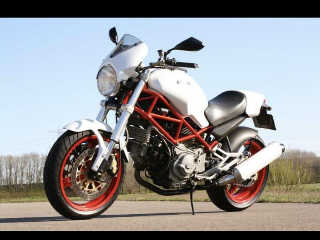 2001 Ducati Monster motor te huur (1)