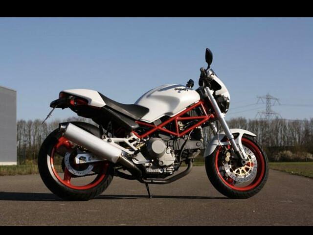 2001 Ducati Monster motor te huur (2)