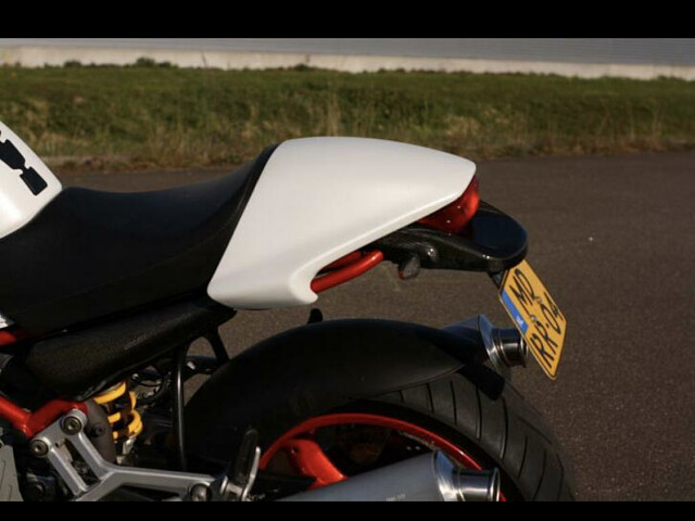 2001 Ducati Monster motor te huur (3)