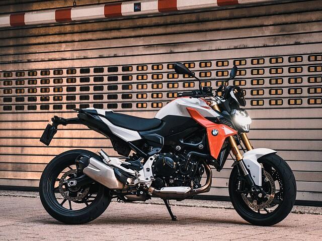 2021 BMW F 900 R motor te huur (1)