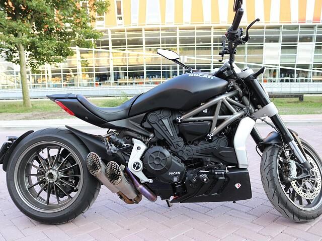2016 Ducati X-Diavel motor te huur (2)