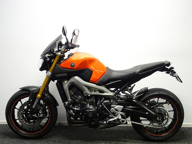 2014 Yamaha MT09 motor te huur (2)