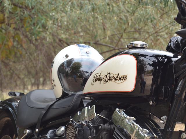2008 HARLEY-DAVIDSON Breakout moto en alquiler (4)