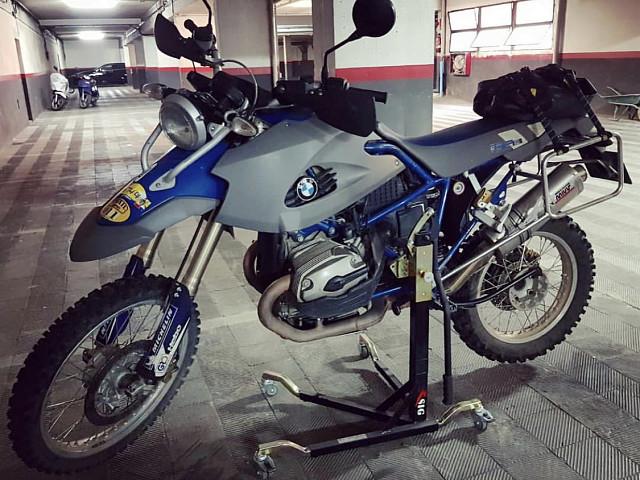 2007 BMW HP2 Enduro moto en alquiler (2)