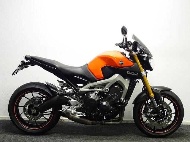 2014 Yamaha MT09 motor te huur (5)