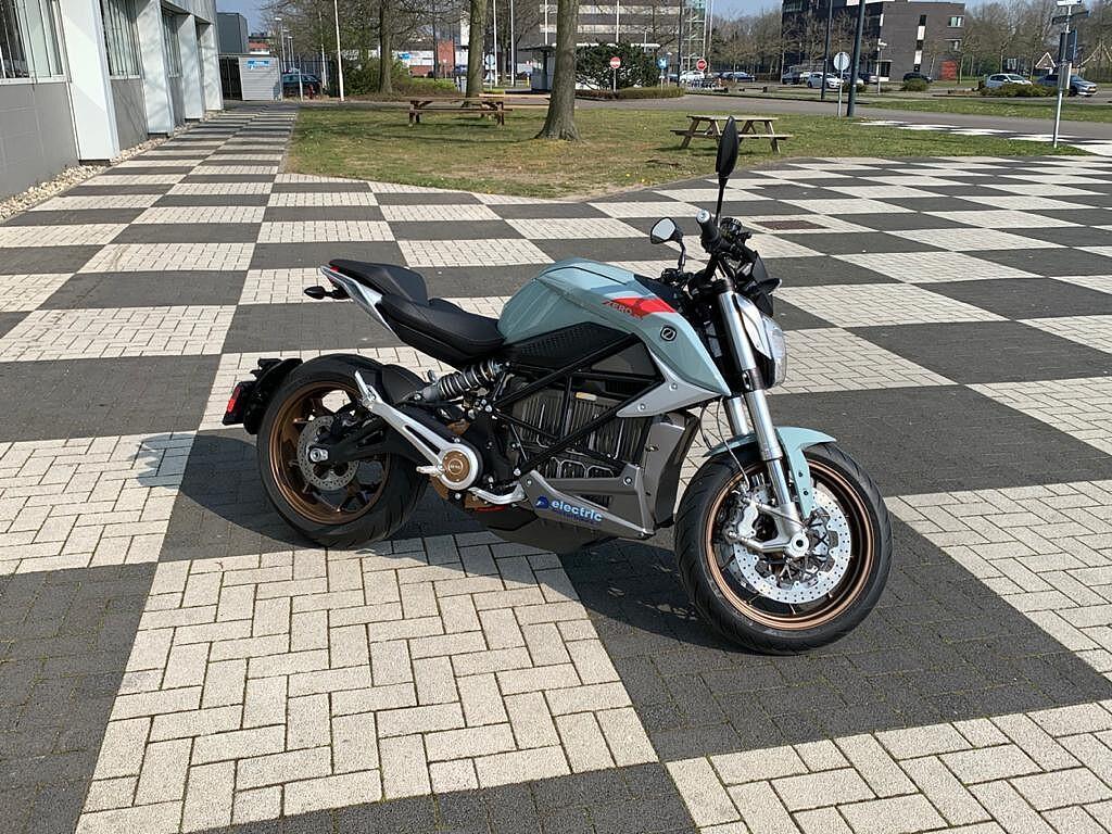 2020 ZERO MOTORCYCLES SR/F motor te huur (1)