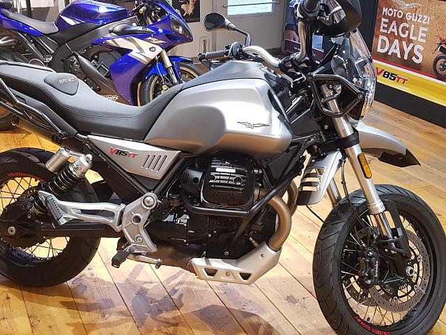 2019 MOTO GUZZI V85TT motor te huur (4)