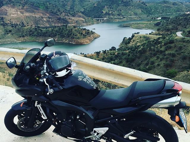 2007 Yamaha FZ 6 moto en alquiler (1)