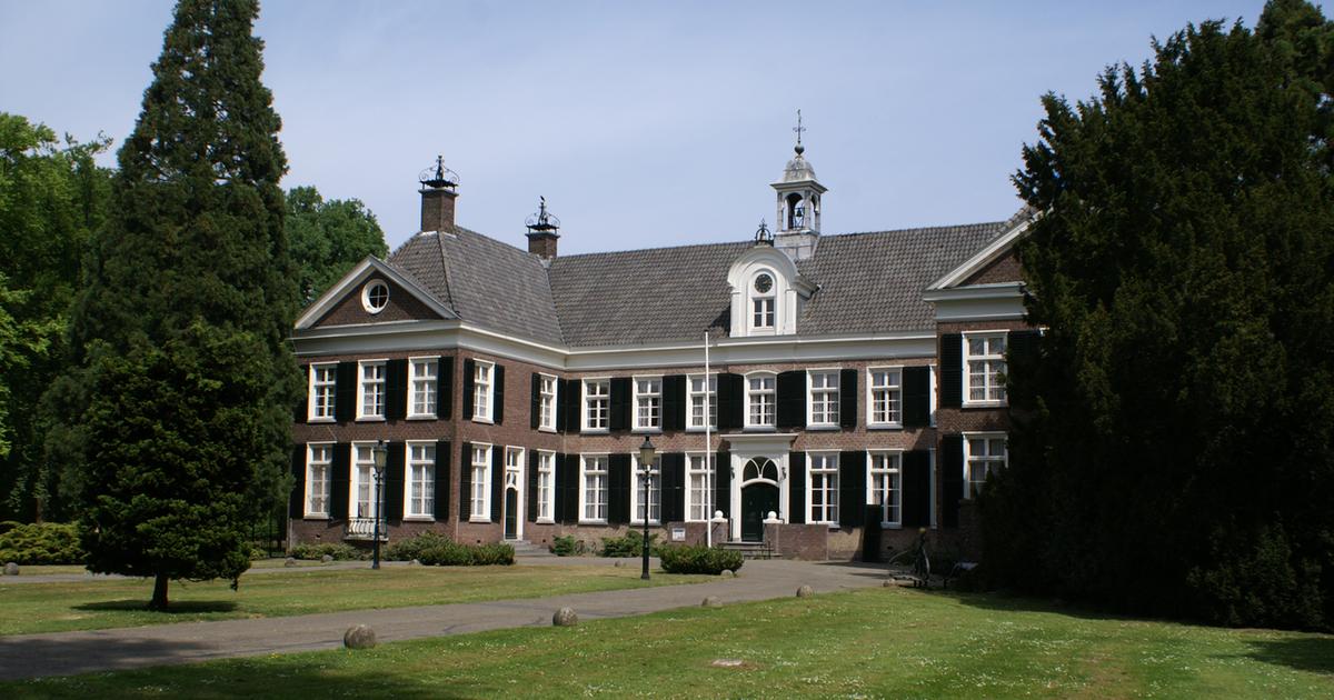 Huis op grasweide: Motorroutes rond Eindhoven