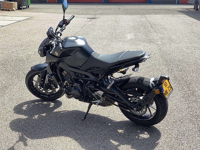 2019 Yamaha MT 09 motor te huur (2)