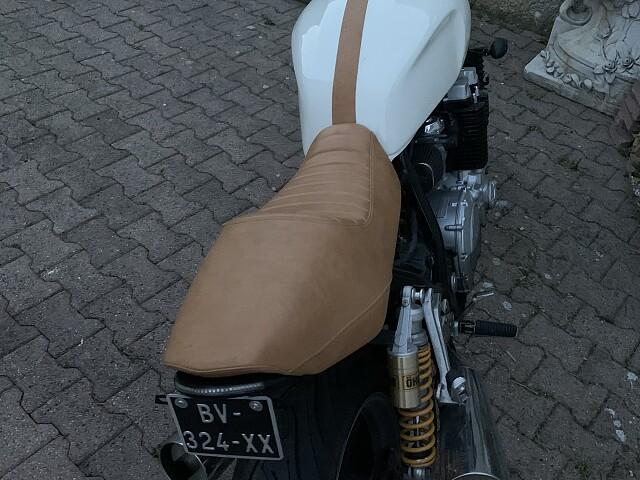2000 YAMAHA XJR moto en alquiler (4)