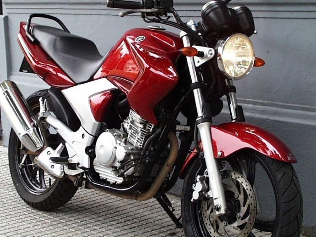 2007 YAMAHA YBR moto en alquiler (1)