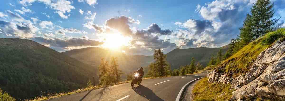 Motor in de bergen: Op weg met MotoShare