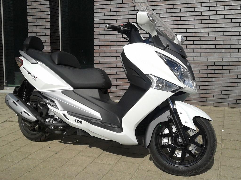 Sym Joymax 125 moto en alquiler (1)