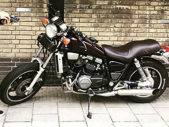 1983 HONDA Magna motor te huur (1)