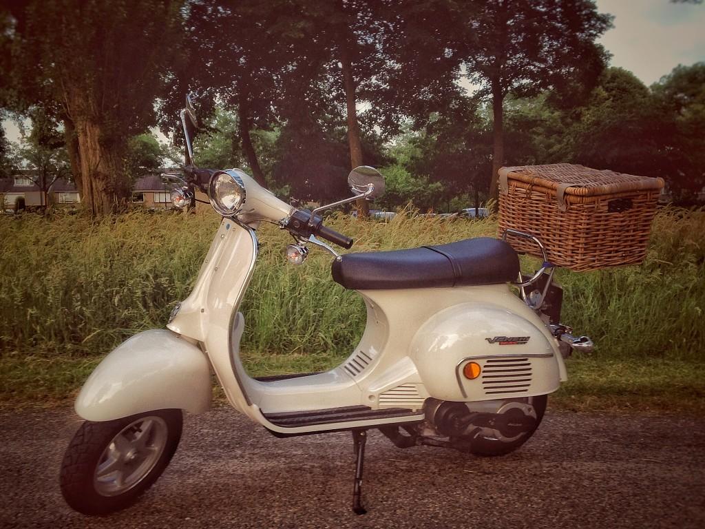 2014 JIALING Veneri 125cc motor te huur (1)