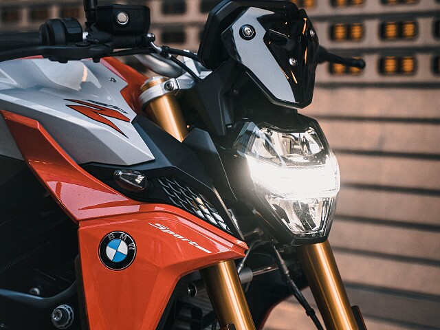 2021 BMW F 900 R motor te huur (2)