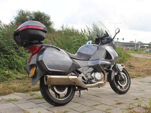 2008 HONDA Deauville motor te huur (4)