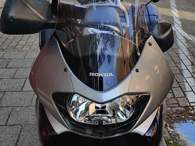 2002 Honda Transalp motor te huur (5)