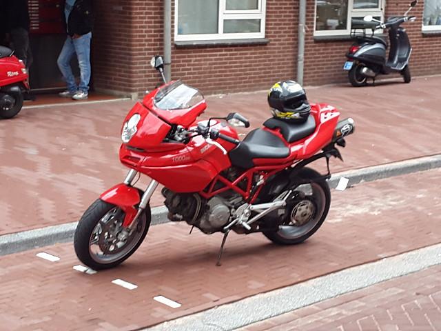 2004 Ducati Multistrada 1000 motor te huur (1)