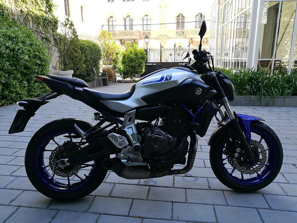 2016 YAMAHA MT 07 moto en alquiler (1)