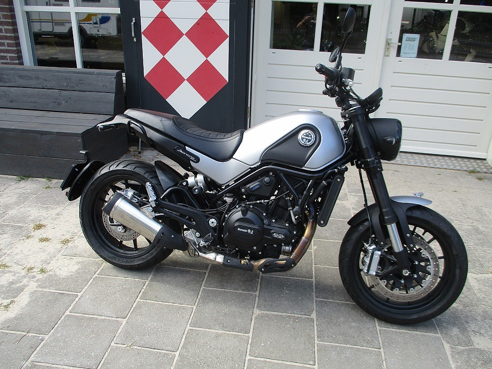2020 BENELLI Leoncino 500 motor te huur (1)