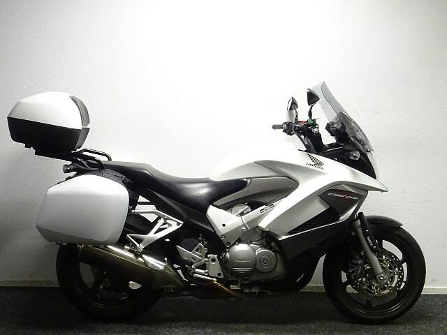 2011 Honda VFR 800 X Crossrunner motor te huur (3)