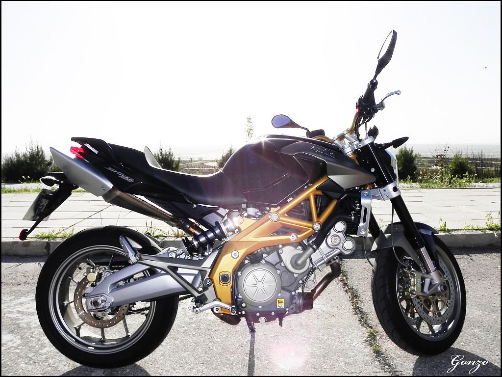 2009 APRILIA Shiver 750 moto en alquiler (1)