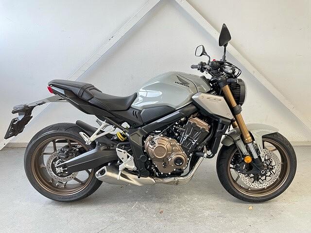 2021 Honda CB 650 R motor te huur (1)