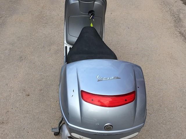 2007 PIAGGIO Vespa LX 125 moto en alquiler (4)