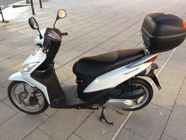 2015 HONDA Vision moto en alquiler (2)