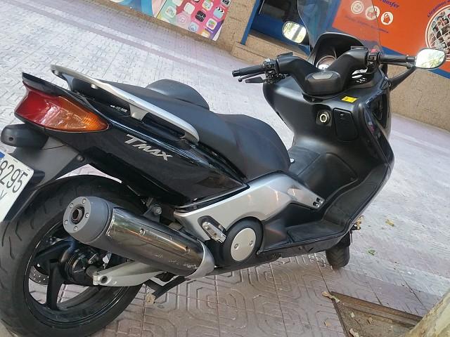 2006 YAMAHA T-Max 500 moto en alquiler (1)