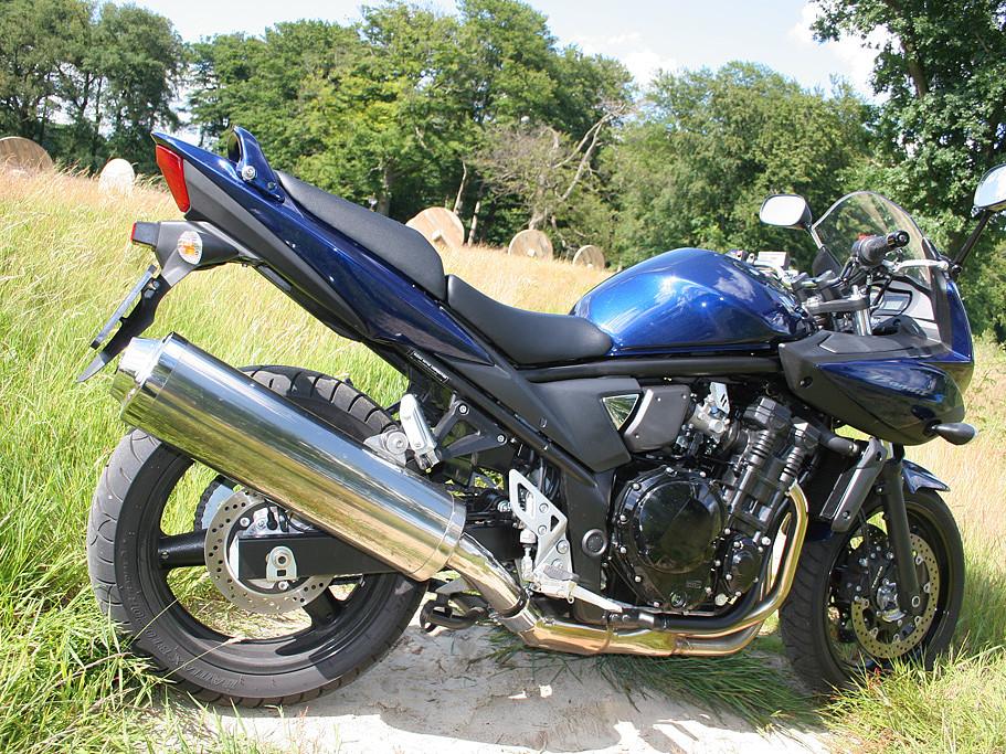 Suzuki GSF 650 Bandit moto en alquiler (1)