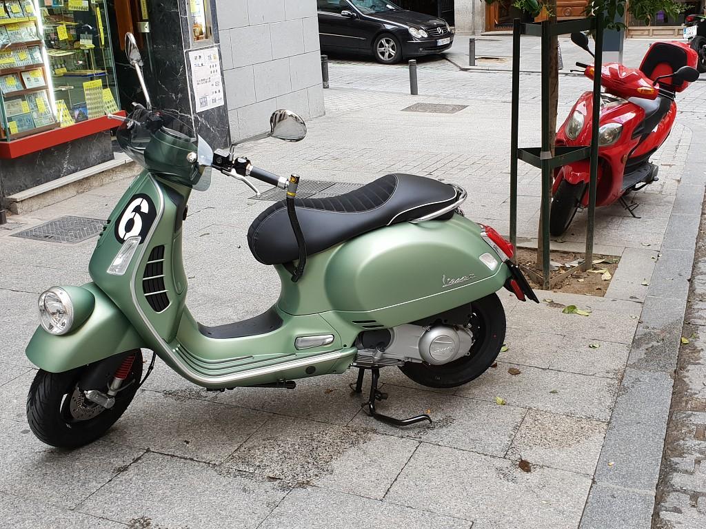 2018 VESPA Sei Giorni moto en alquiler (1)