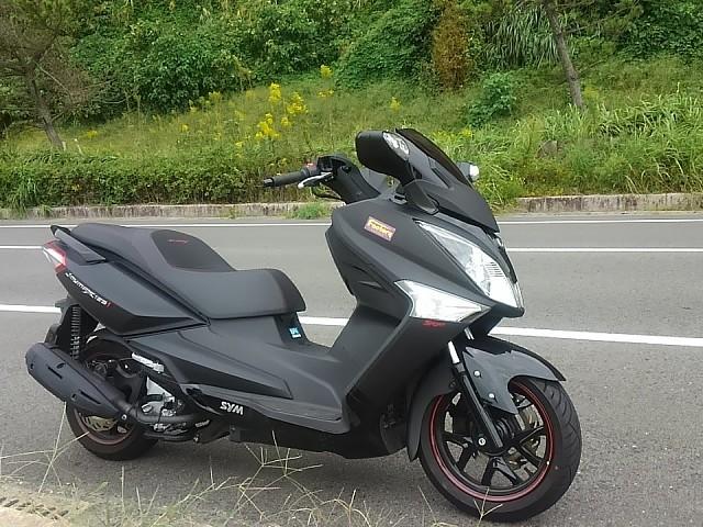 2013 SYM Joymax 125 moto en alquiler (1)