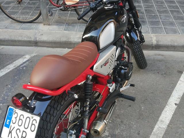 2019 Hanway Raw 125 SR moto en alquiler (2)