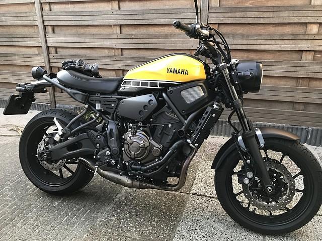 2016 YAMAHA XSR 700 moto en alquiler (3)