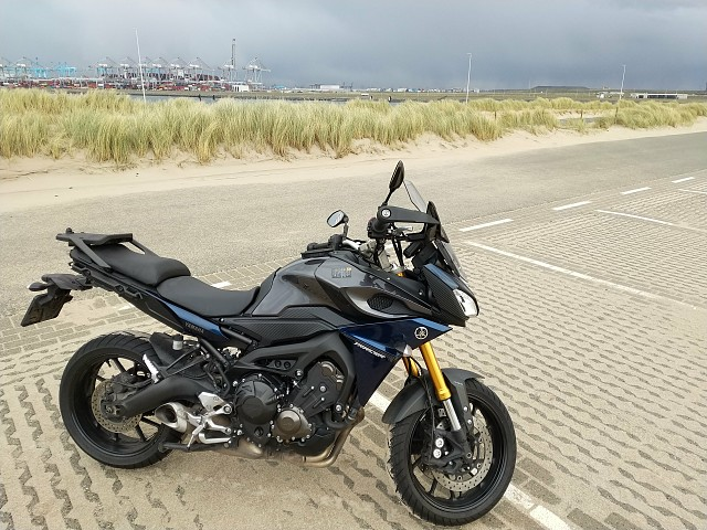 2016 Yamaha MT 09 TRACER motor te huur (4)