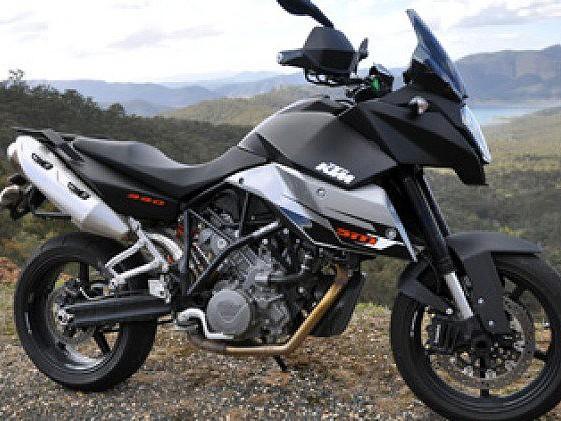 2010 KTM SMT motor te huur (1)