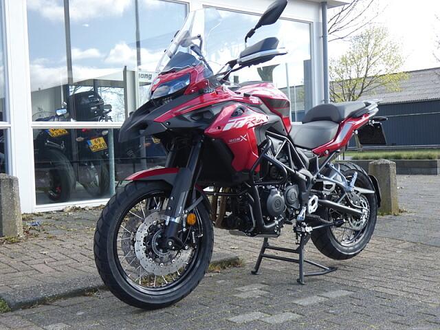 2020 BENELLI TRK 502 X motor te huur (4)
