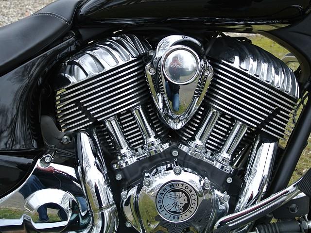 2016 INDIAN Chieftain motor te huur (4)