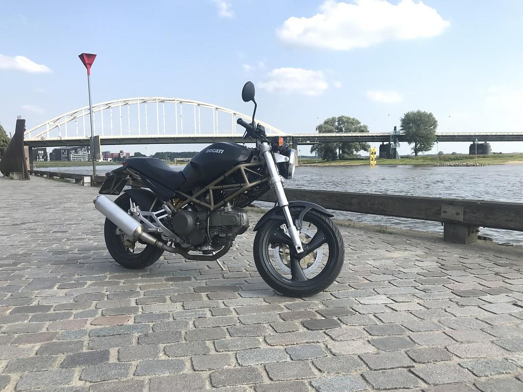 DUCATI M 600 motor #1