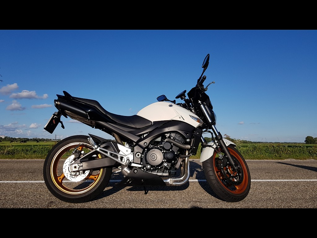 2013 Suzuki GSR 600 motor te huur (1)